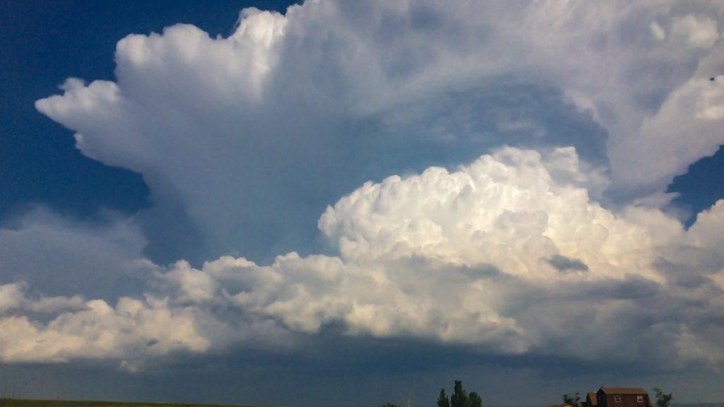Cumulonimbus clouds and potential lightning